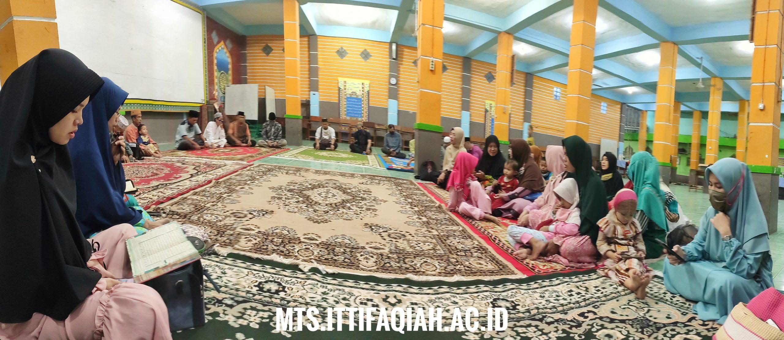 Perkuat Silaturahmi, Guru MTs Al-Ittifaqiah Adakan Buka Bersama