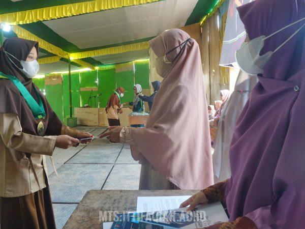 Mantapkan Acara, Santri Kelas Akhir MTs Al-Ittifaqiah Gelar Gladi Resik