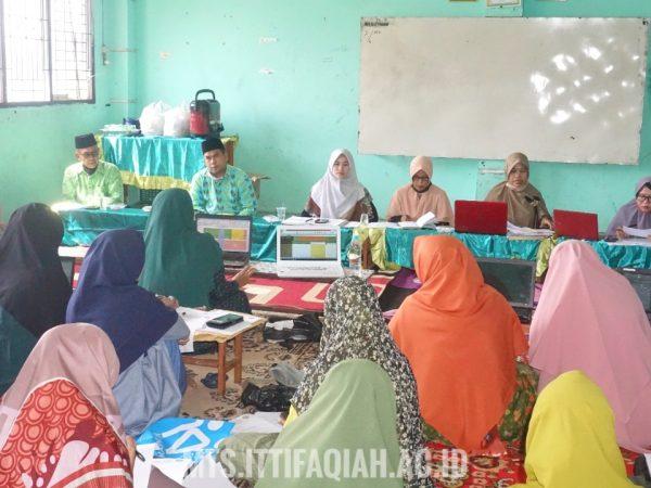 Rapat Kenaikan Kelas dan Kelulusan Santri MTs Al-Ittifaqiah